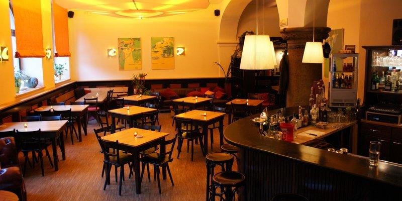 Augustiner-Gaststätte im Wohnzimmer-Stil