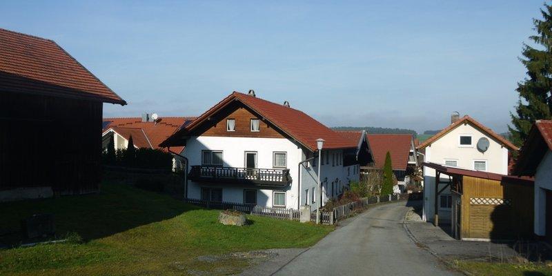 Bauernhaus mit alter Poststelle (orig 70er)