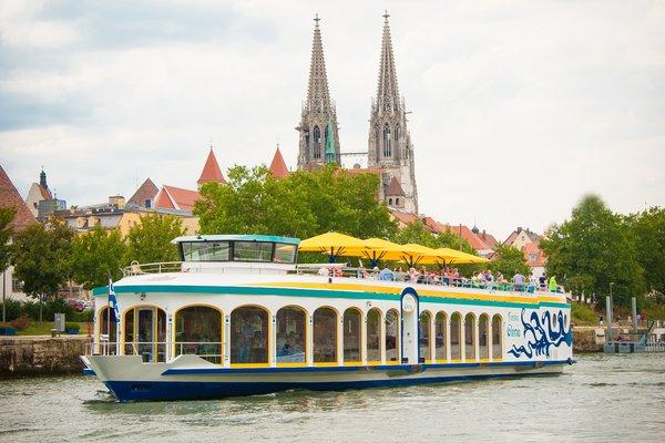 MS Fürstin Gloria - Feiern auf dem Schiff
