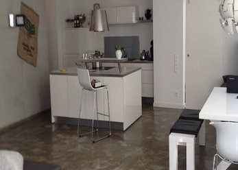 Loft Thalkirchen, fireplace, kitchen island