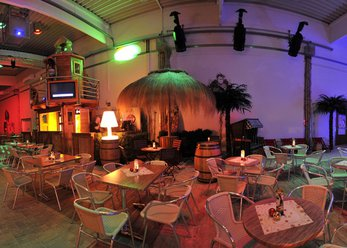 Indoor Beach Club - Caribbean ambiance