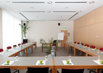 Spacious meeting rooms in the City West