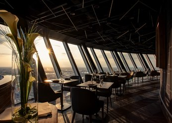 Revolving restaurant-bar with view over Düsseldorf