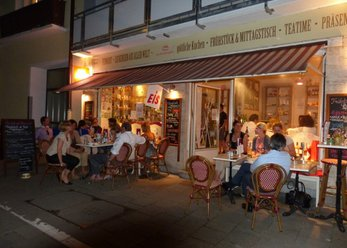 Doll House-Bar/Cafe located in Schwabing