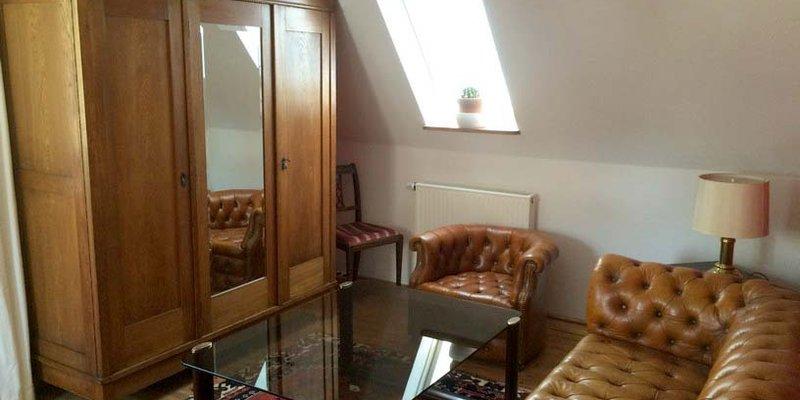 Schnuckeliges 50er Haus Stilmix alt / modern - OG - Herrenzimmer
