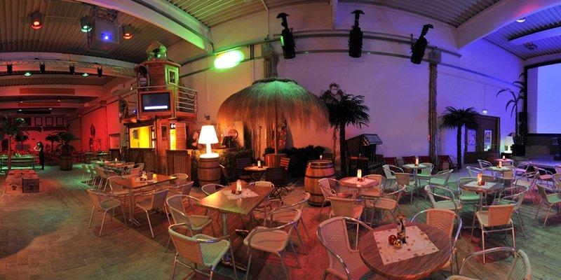 Indoor Beachclub - karibisches Ambiente