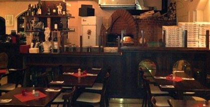 Pizzeria Restaurant mit Holzofen