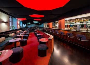 Moderne Bar-Restaurant in Schwabing