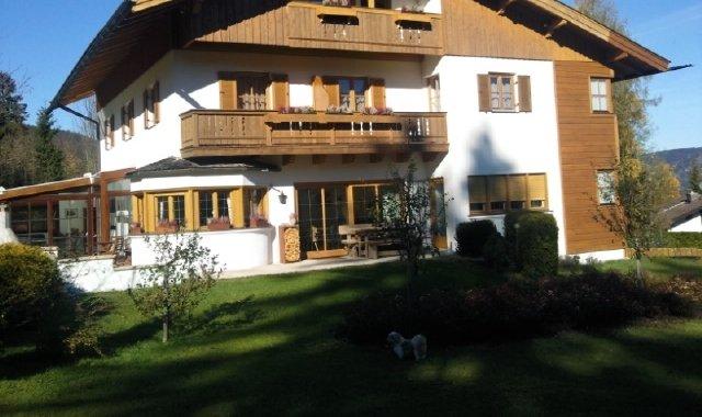 Landhaus-Villa am Schliersee mit Bergblick
