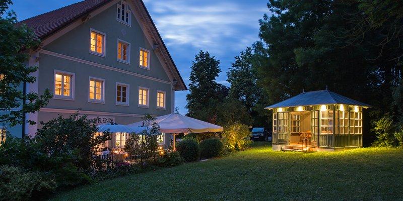 Landhaus mit Einrichtung im englischen Stil