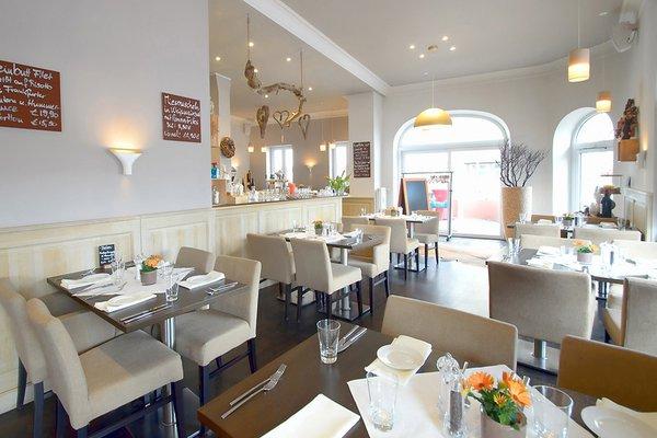 Helles Restaurant mit Terrasse im Zentrum