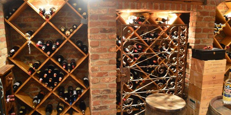 Einfamilienhaus im Villenstil mit Weinkeller
