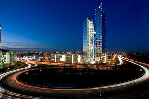 DESIGN OFFICES Highlight Towers München