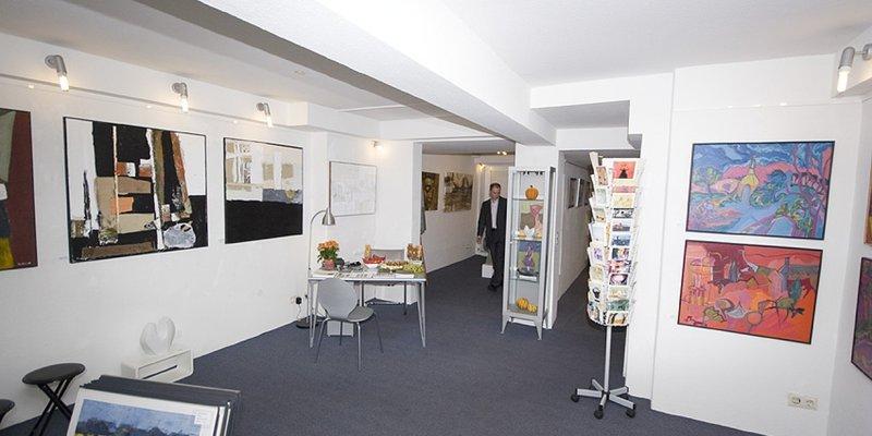 Galerie mit Studio und Ausstellungsraum