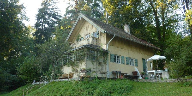 Idyllisches Seegrundstück mit altem Landhaus