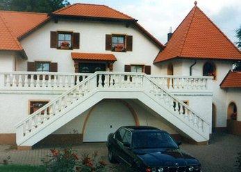 Schlossartiges Anwesen mit kl. Park
