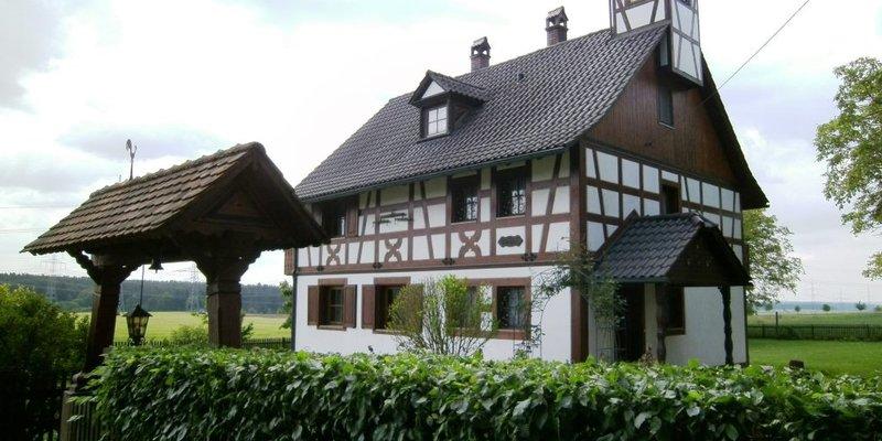 Abgelegenes, idyllisches Landhaus